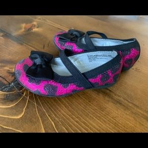 Toddler girls pink and black sparkly shoes